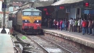 Back to Back Aggressions by Deccan Queen & Howrah Duronto Express - Tearing Crowds at Dadar, Mumbai