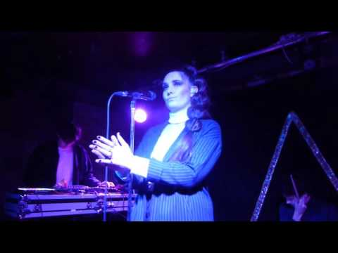 Alpines - Completely (Live Debut) (HD) - The Waiting Room - 19.04.16