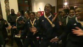 La joie de l'équipe de France de handball à son arrivée à l'hôtel !