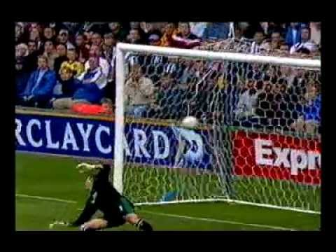 Lee Bowyer Goal - Leeds West Brom 24th August 2002