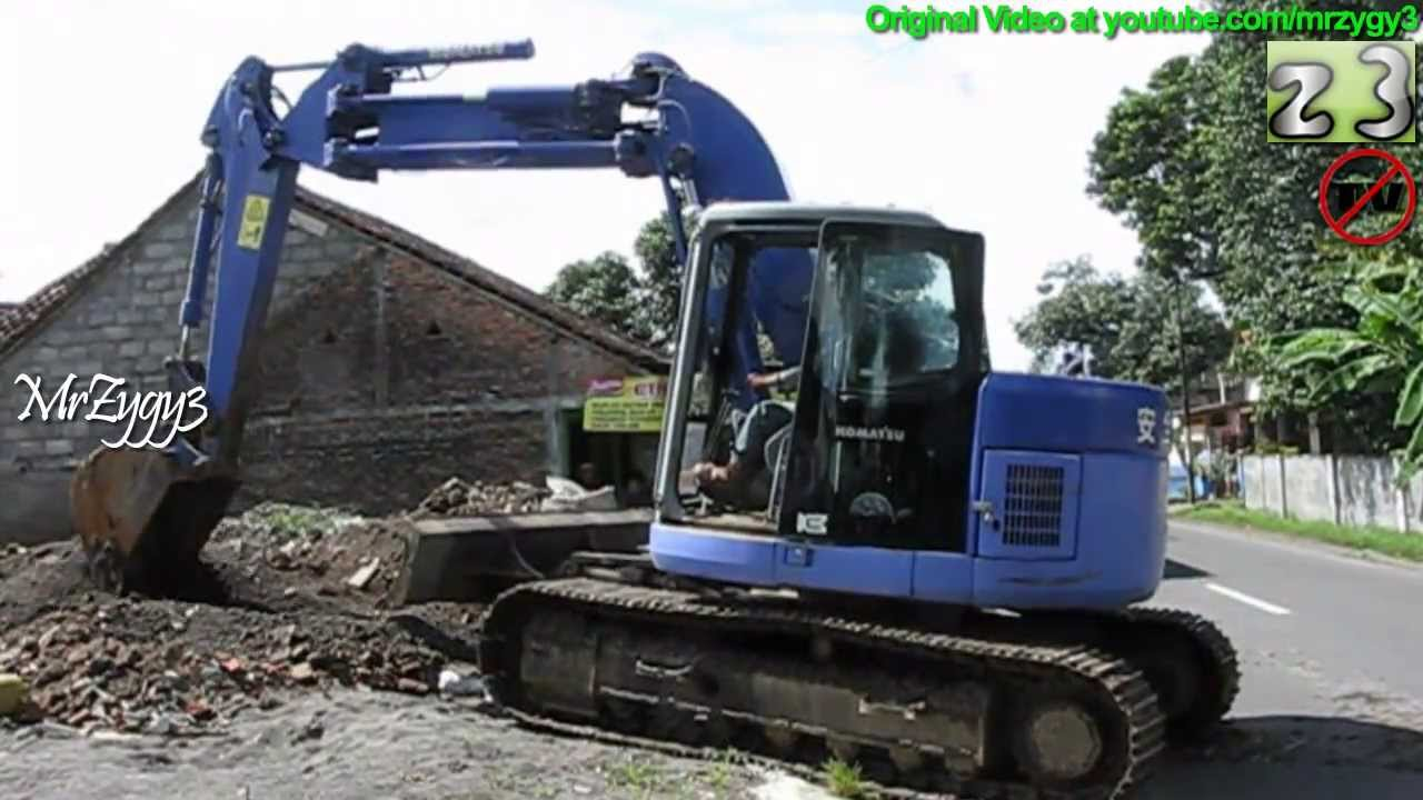 Excavator Komatsu Pc128 Dredging Moving Debris