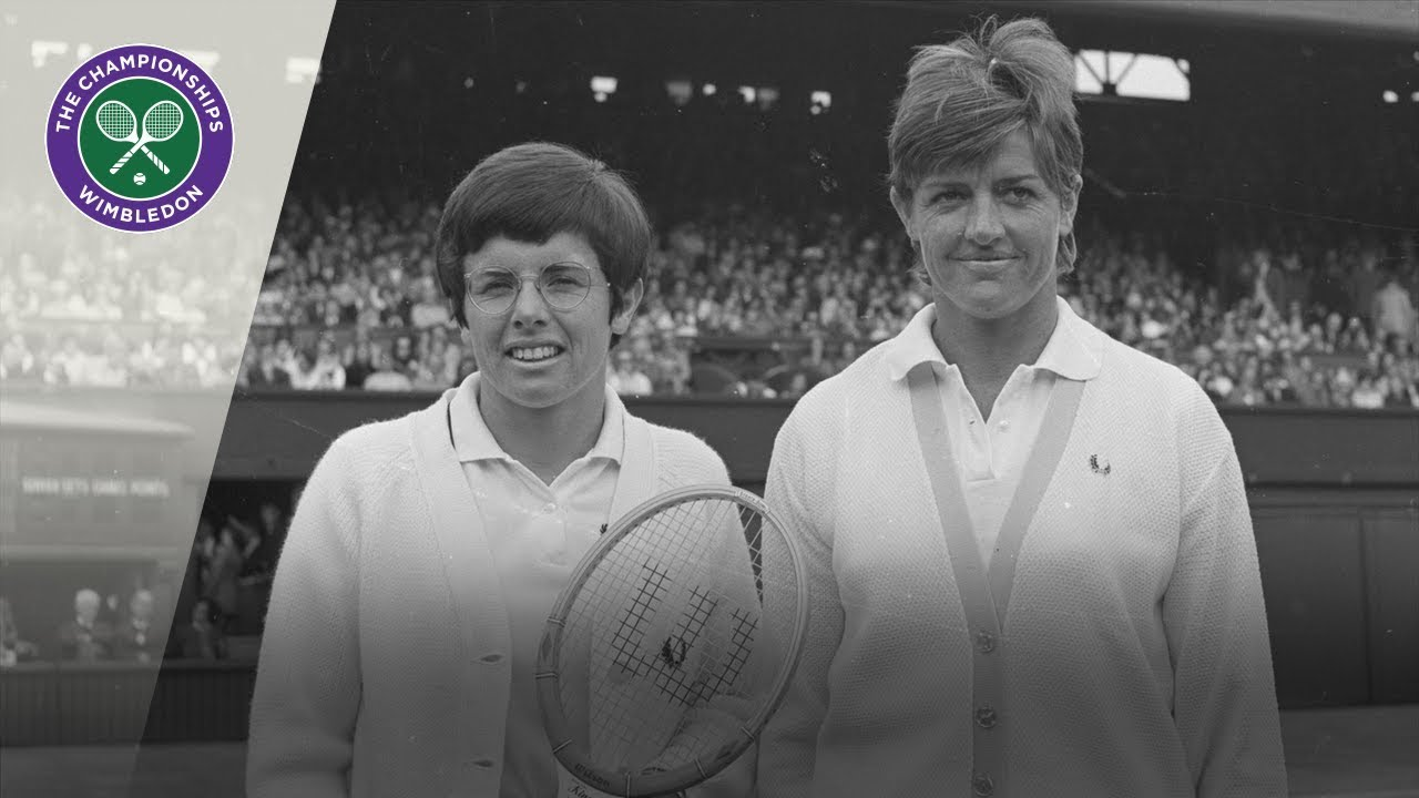Billie Jean King vs Margaret Court: Wimbledon Final 1970 (Extended  Highlights) - YouTube