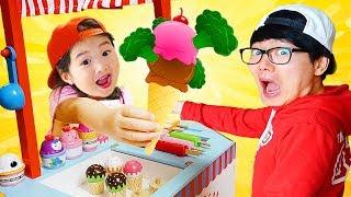 Boram est de vendre de la crème glacée jouet cuisine alimentaire situé dans