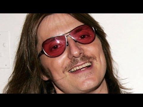 The Untold Truth Of Comedian Mitch Hedberg