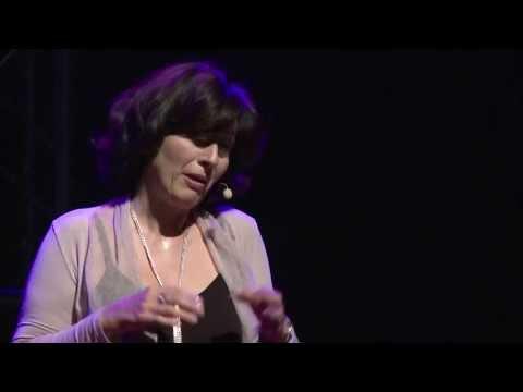 Et si nous éduquions nos enfants à la joie ? Antonella Verdiani at TEDxVaugirardRoad 2013
