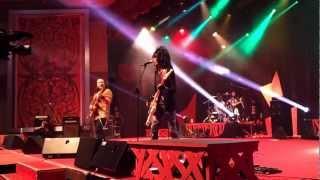SYJ/SOFEA - Syurga Di Hujung Jarum (Live)