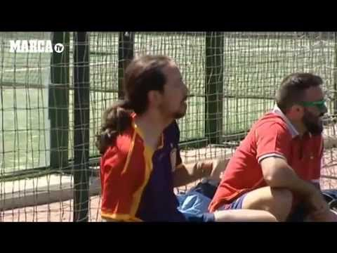 Pablo Iglesias Jugando A Futbol Youtube