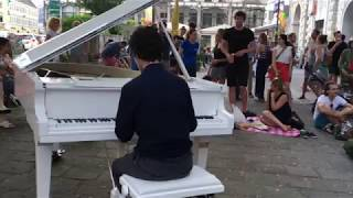Happy Songs On The Street | Vienna #OpenPianoForRefugees