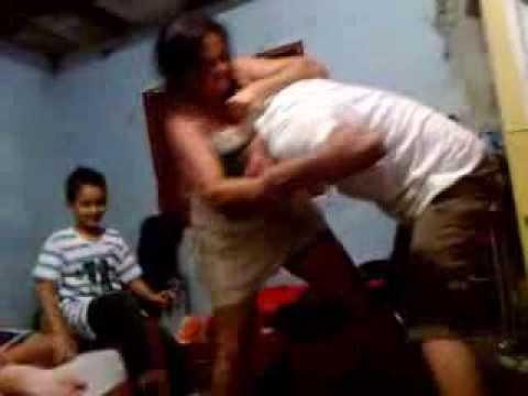Briga entre Mãe e Filho...