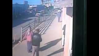 Repeat youtube video تفجير انتحاري كركوك شارع اطلس على مقر يكتي يوم 16-1-2013