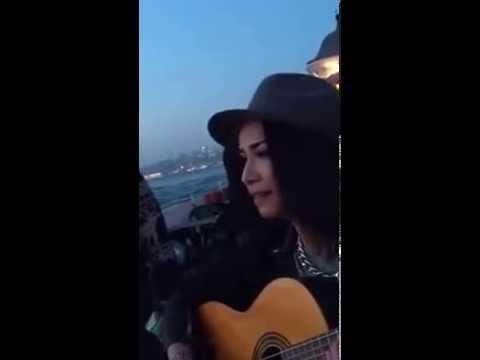 Mehtab Guitar - Atun beni Denizlere   Istanbul üsküdar sahilinde