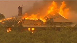 Лесные пожары в Южной Австралии(Два человека погибли, 13 получили ожоги в результате сильного лесного пожара, неподалеку от долины Баросса..., 2015-11-26T07:37:53.000Z)