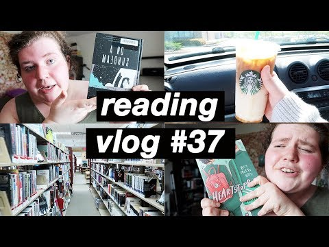 Reading Queer Graphic Novels And Going To The Library | Reading Vlog #37