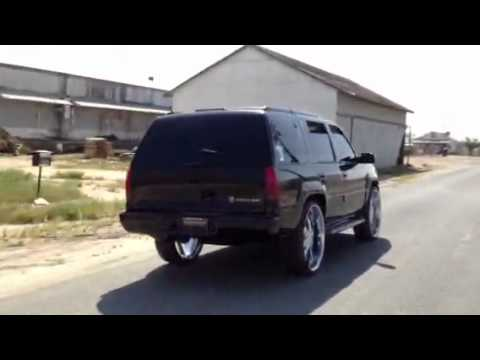 99 Escalade On 28s Youtube