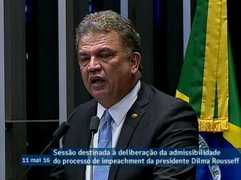 Sérgio Petecão manifesta seu voto pela admissibilidade do processo de impeachment de Dilma