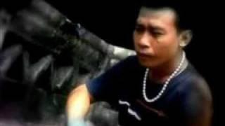 Odi Malik - Ombak Umpamo Batu Mejan.wmv