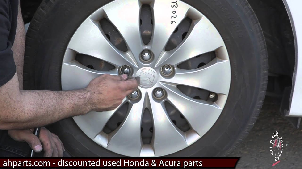 hub cap wheel cover replacement for rim how to replace install rh youtube com Alloy Mag Wheels XUV 500 Alloy Wheels
