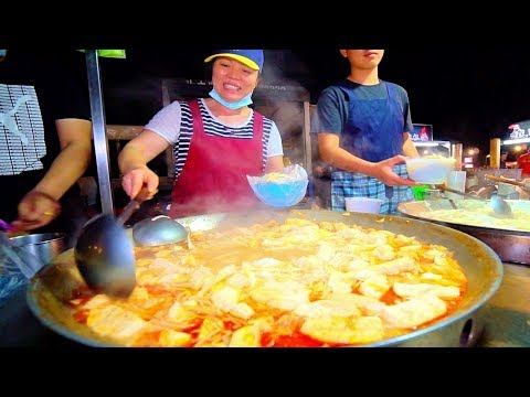 SPICY HOT POT of DOOM!! Street Food in Taiwan's BIGGEST Night Market | Taiwanese Street Food