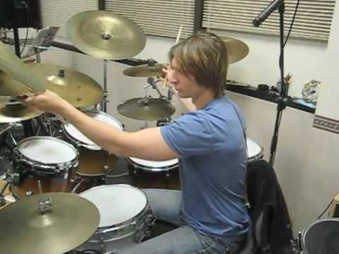 Brian Czach gives a demonstration of the 6 stroke roll rudiment and breaks it down into parts, creating new vocabulary on the drum set.