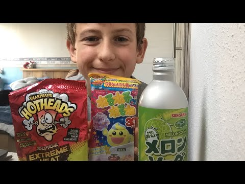 asmr eating: japanese candy!*eating sounds* lovely asmr s!