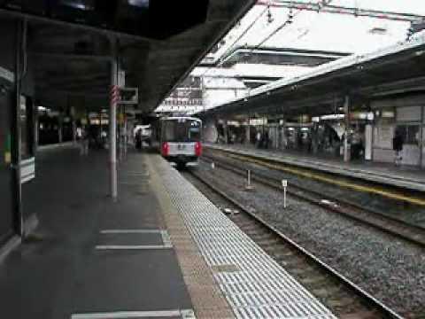 JR東日本�形ディーゼルハイブリッド車 到着 大宮駅�/10/11
