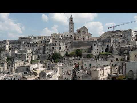 Θανάσης Παπακωνσταντίνου - Ματέρα - Official Lyric Video