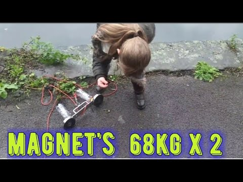 magnet fishing in park pond a hell load of finds ,, AND YES NO GLOVES (( SORRY ))
