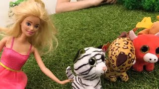 Приключения Барби в игрушечном зоопарке. Видео для Детей