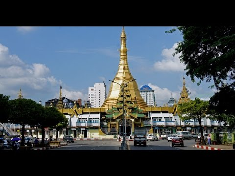 Walking in Yangon (Myanmar)