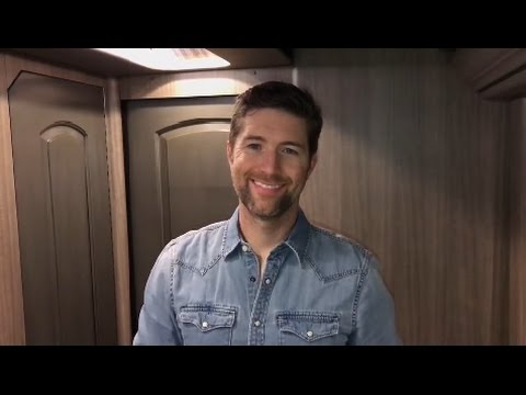 Josh Turner - Deep South Available March 10th!