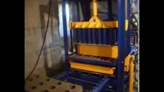 видео Вибростанок для производства стеновых блоков
