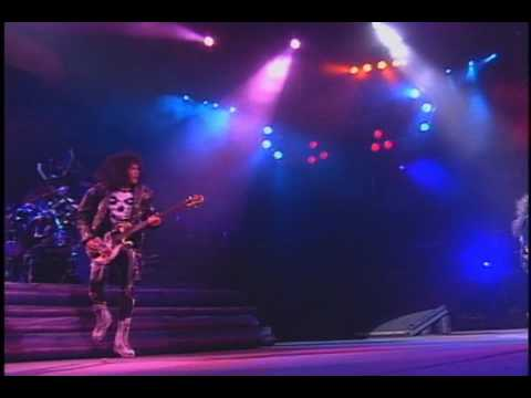 KISS - KISSOLOGY Vol. 2 1978-1991 - Disc 3 - Live At the Palace 1990 - I Stole Your Love