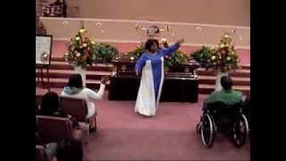 "JAMILAH FARLEY PRAISE DANCE TO ""SAY YES"" BY SHEKINAH GLORY"