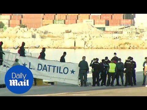Italian ship carrying hundreds of migrants finally docks in Spain