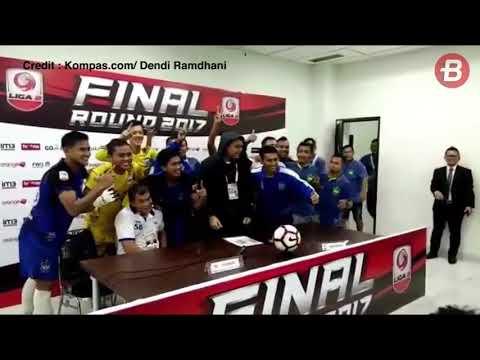 Seru! Para Pemain PSIS Semarang Kerjai Subangkit saat Konferensi Pers