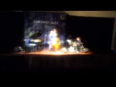 Dieter Ilg trio - Serambi Jazz Dec 2012 part 2