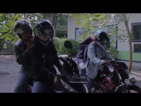 Tugas Indonesia : FILM ADAPTASI BARACAS