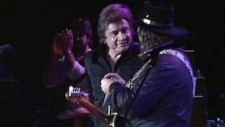 Johnny Cash & Waylon Jennings - Folsom Prison Blues (Live at Farm Aid 1985)