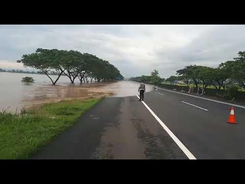 Tol Pejagan Brebes. banjir meluap