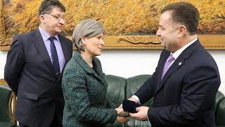 Міністр оборони України Степан Полторак провів зустріч з сенатором США пані Джоні Ернст