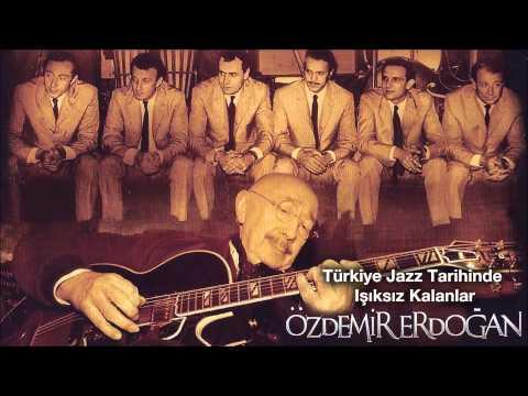 Клип Özdemir Erdoğan - Pervane