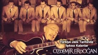 Özdemir Erdoğan - Pervane (Bana Ellerini Ver) Video