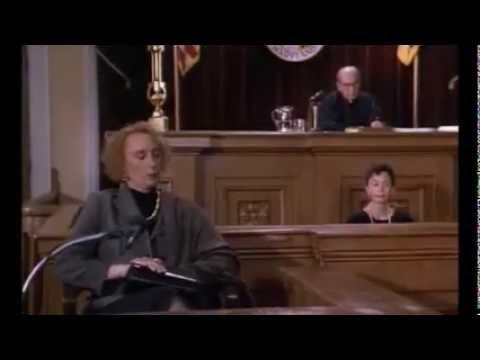 La signora ammazzatutti- Scena processo