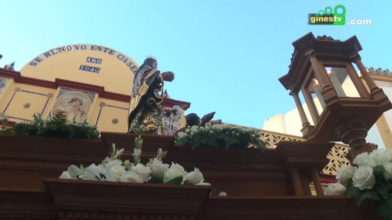 Gines vivió el día grande de sus fiestas rosarieras con la procesión del Rosario y Santa Rosalía