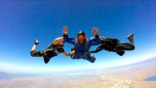 JUMPING OUT THE PLANE- SKYDIVING ALONE!!I