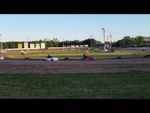 Mario jr Ransomville speedway heat #1 6/8/17