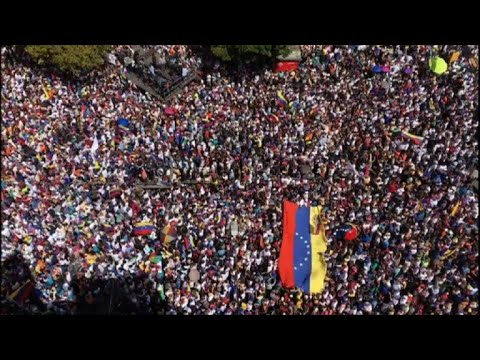Sea of anti-govt protesters fill streets in Caracas