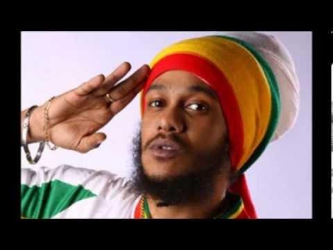 Yaniss Odua ~ Madinin'Africa (feat. Tiken...