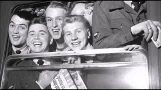 "Video ""Min lille soldat"" Elsa Sigfuss med Aage Juhl-Thomsens orkester 1940 download MP3, 3GP, MP4, WEBM, AVI, FLV Oktober 2017"