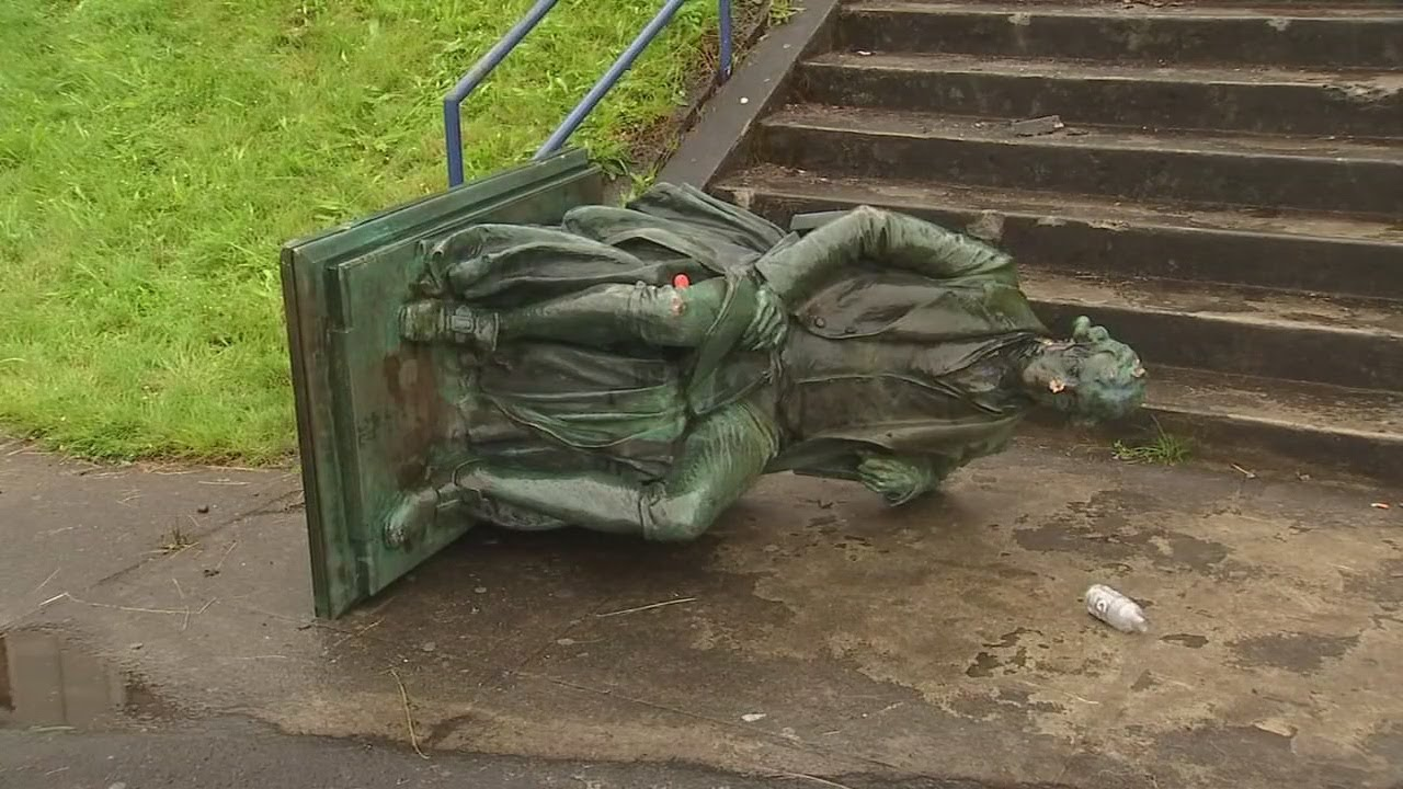 Students pull down Thomas Jefferson statue in front of Portland high school